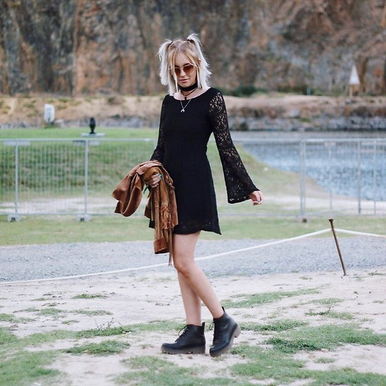 Tara-Lee McNulty - H&M Bell Sleeve Dress, Supre Rose Gold Sunglasses, Forever 21 Necklace, H&M Boots - Magic