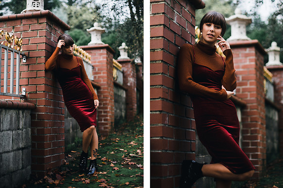 Chelsea Miller - Zaful Velvet Strap Dress, Asos Black Booties, Thrfited Turtle Neck - She wore red velvet
