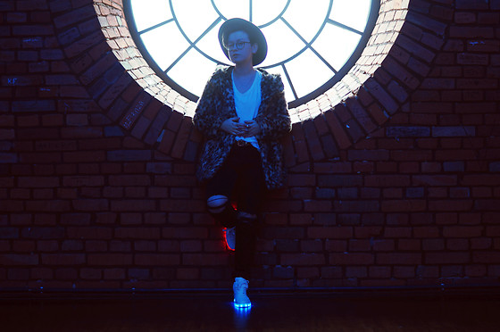 Karolina R. - Shoes With Lights Up Led Luminous And Tie Up Design, H&M Hat, H&M Faux Fur Coat - Lights