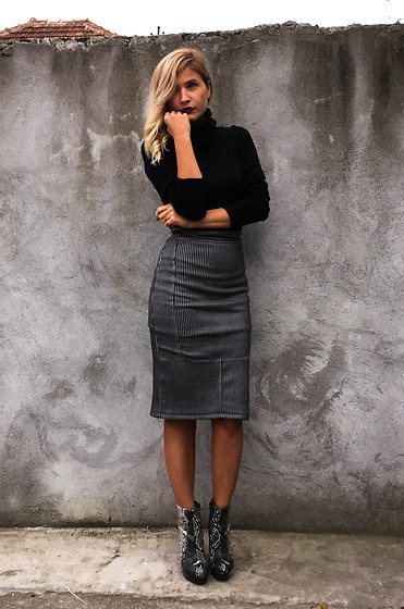 An Koko -  - Chic and minimal! Pencil skirt & turtle neck combo