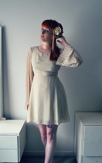 Alphie LaFray - Cream Festival Dress - A revelation in the light of day