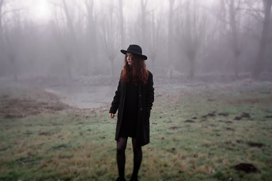 Laura Lemonade - H&M Distressed Dress, H&M Coat, Demonia Creepers - It's freezing