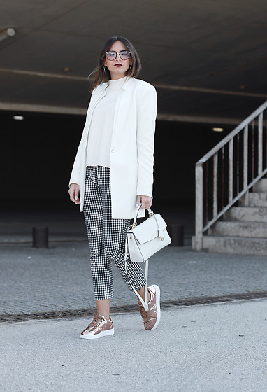 Bárbara Marques - Zara Blazer, Zara Pants, Michael Kors Bag, Primark Sneakers, Marc By Jacobs Glasses - Checkmate