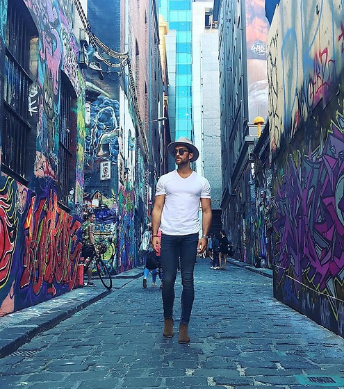Henry & William Wade - Hudson Chelsea Boots, Topman Stretch Skinny Jeans, Zara V Neck T Shirt, Brixton Fedora Hat, Topman Sunglasses - Summer Vibes