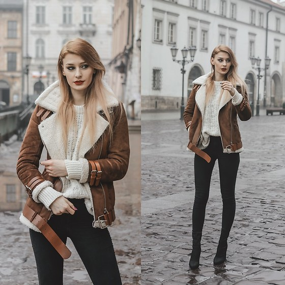 Katarzyna Konderak - Coat - Brown coat