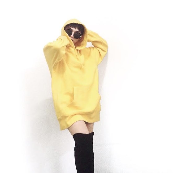 JUN UDAN - Roxy Hoodie, Forever 21 Black Highboots, Forever 21 Round Shade - Love Yellow