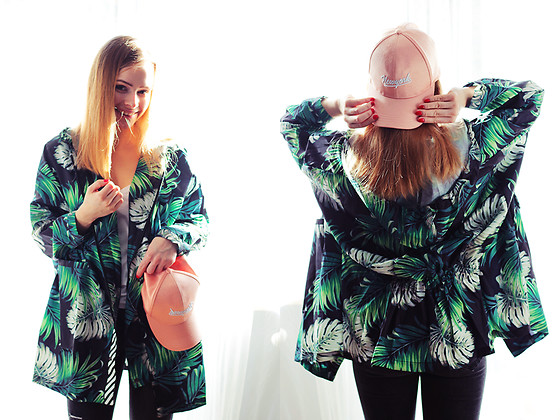 Marta S. - Zaful Tropical Jacket, Zaful Pink Fullcap, Black Pants, Zara White T Shirt - Street style / Tropical