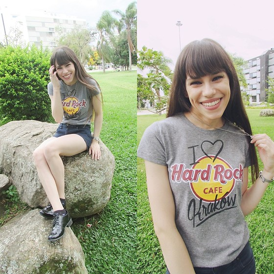 Valéria Przysbeczyski - Hard Rock Cafe Shirt, Zara Basic Denim Shorts, Zutti Oxford - Hard Rock Cafe Kraków