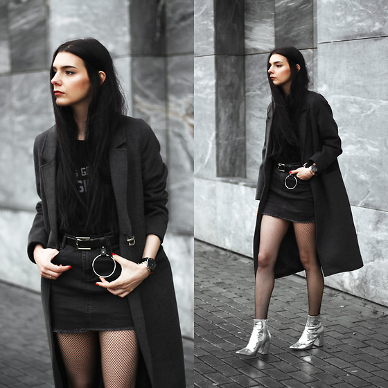 CLAUDIA Holynights - Jolly Chic Coat, Romwe Skirt, New Look Boots, Daniel Wellington Watch + Cuff - Faded black denim skirt