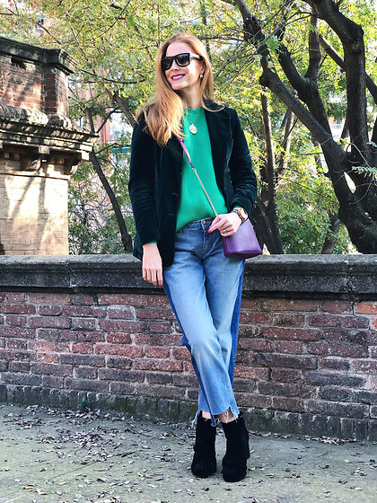 Colourvibes Blog - Asos Sweater, Zara Frayed Raw Hem Jeans, Zara Velvet Boots, Furla Cross Body Bag - Velvet mood