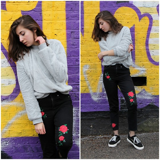 Elo' Cupcake - Zara Soft Velvet Sweater, H&M Embroidered Jeans, Vans Sneakers - Florals for Spring ? Groundbreaking