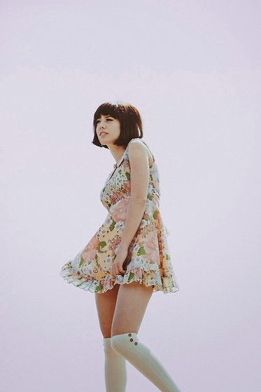Amy Roiland - Vintage Dress - Take me back to the 60s //