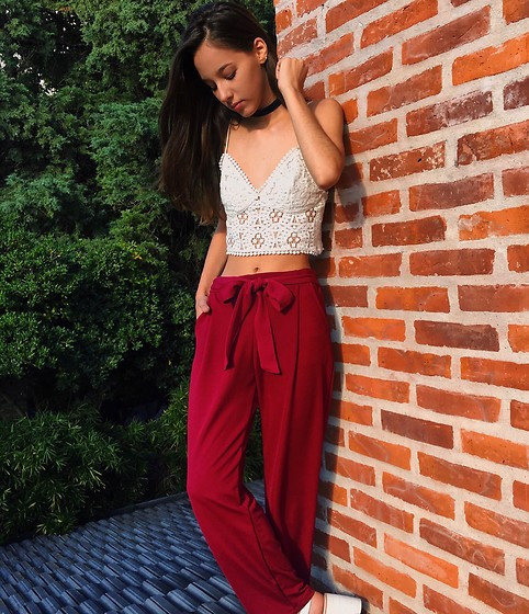 Delfi Villamil - Topshop White Lace Top, Bercia Bsas Burgundry Pants - Burgundry and white