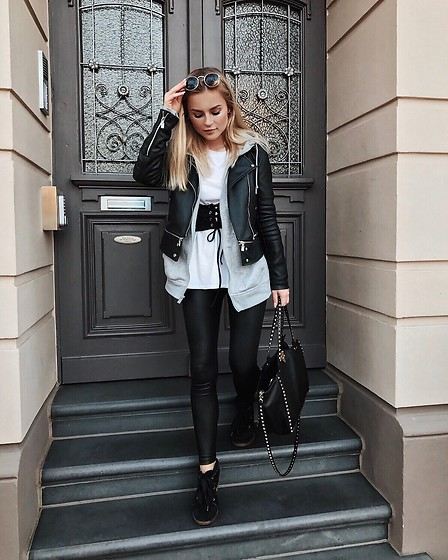 Romina M. - Valentino Rockstud Medium Tote, Isabel Marant Boby Black Wedges, Zara Leather Jacket, Ray Ban Sunnies - Black Corset