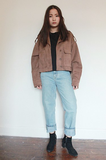 Yuhan Zhang - Zara Jacket, Weekday Denim, Other&Stories Boots - WINDY DAY