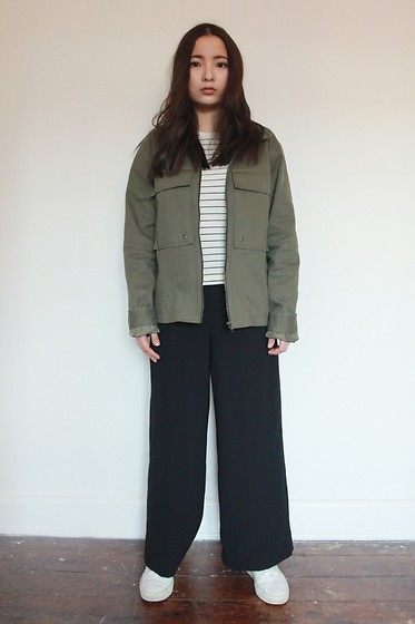Yuhan Zhang - Zara Trouser, Muji Shirt, Other&Stories Shoes - Symmetry