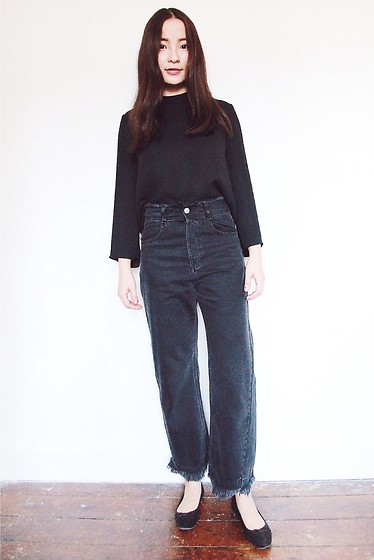 Yuhan Zhang - Zara Top - Black me