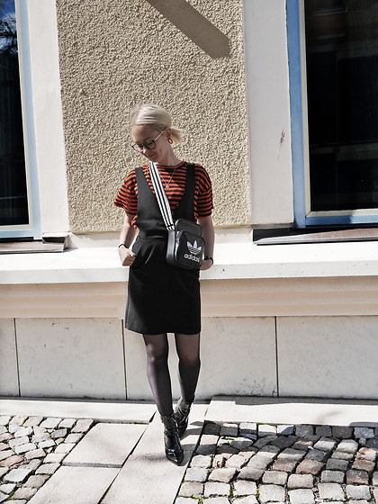 Nathalie R - & Other Stories T Shirt, H&M Dress, Adidas Bag - S T R I P E S