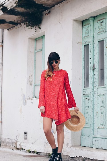 Patricia G. - Zara Dress, H&M Hat, Bimba Y Lola Boots - Corme red