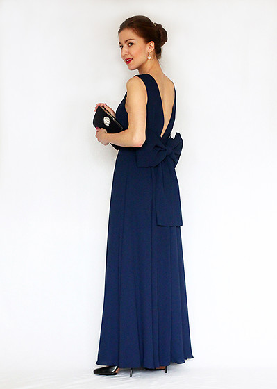 Beauty Mark Lady - Fame And Partners Blue Gown, Adrianna Papell Clutch - Evening gown