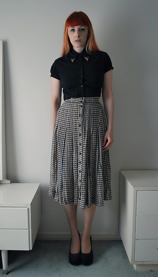 Alphie LaFray - Black Button Up, Thrifted Western Collar Tips, Thrifted Houndstooth High Waisted Skirt, Thrifted Velvet Platform Heels - Oh, poor Atlas, the world's a beast of a burden