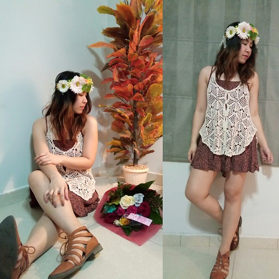 PAPU DOMINGO -  - Desperate floral chic