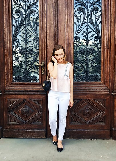 Marta S. - Romwe Pink Top, White Pants, Rosegal Black Bag, Franco Sarto Black Shoes, Daniel Wellington Gold Watch - Street style • Elegant look