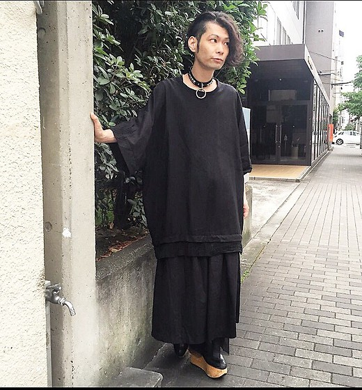 @KiD - Ch. Big Tee, Comme Des Garçons Black Skirt, Funk Plus Sm Choker, Vivienne Westwood Rockin Horse Boots - Re Japanese Trash 3