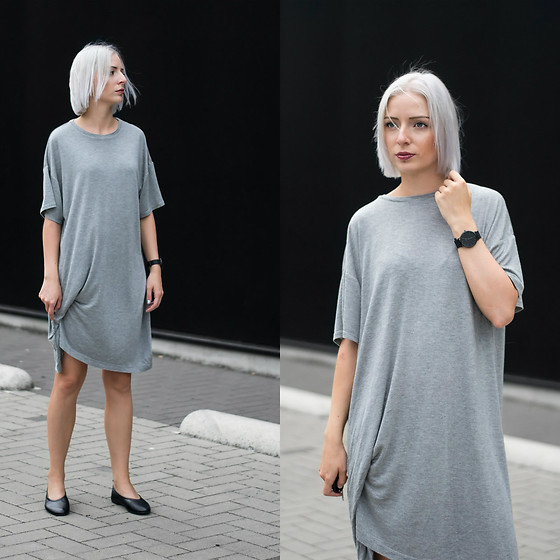 Nena F. - Weekday T Shirt Dress, Flattered Ballerinas - Oversized t-shirt dress