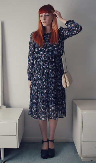 Alphie LaFray - Valley Girl Sheer Floral Dress, Glomesh Vintage Hardcase Bag, Mrp Patform Heels - Oh I still love you, only slightly less than I used to