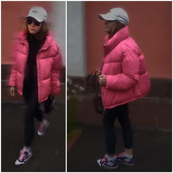 Alla Dolzhenko - Adidas White Cap, Modis Black Aviators, Tvoe Black Sweater, Gloria Jeans Skinny Cutting By Me, Reebok Sneakers, Adidas White Socks, Vantage Bag, Pull&Bear Jacket - Actually a own jacket is ....Red?