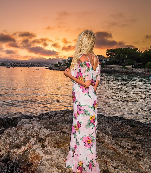 Tijana J.D - Primark Floral Maxi Dress - Mallorca sunset