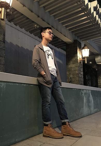 Aloy Chua - Under Armour Gray Hoodie, Gap Sunglasses Tee, Timberland Work Boots - K.I.S.S.