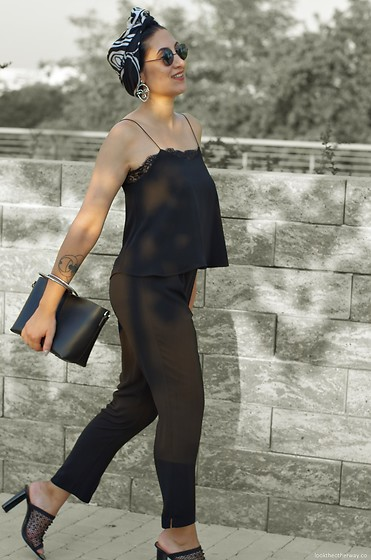 Ellone Andreea - Vintage Scarf, Mango Face Earrings, Zara Jumpsuit, Zara Metal Ring Bag, Zara Mesh Slide Ins - Summer Ebony Glamour