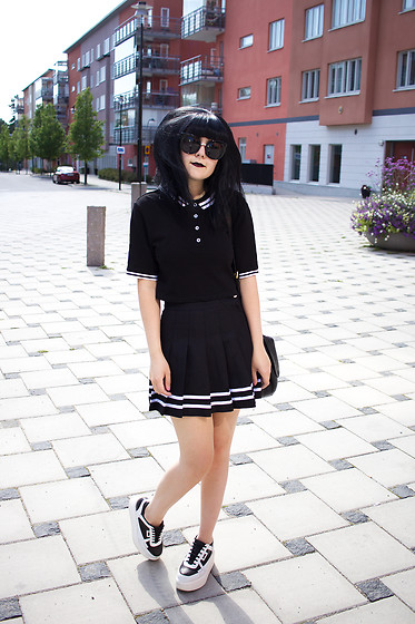 Panda . - H&M Top, H&M Skirt, Karl Lagerfeld Shoes - LET'S BE LONELY TOGETHER