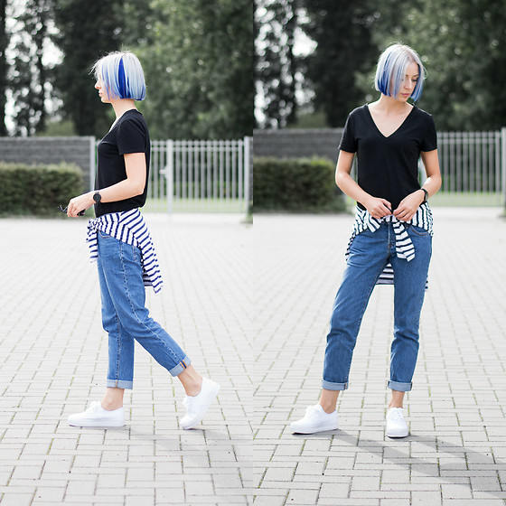 Nena F. - H&M T Shirt, Levi's® Jeans, Sacha Shoes - Blue hair - white shoes