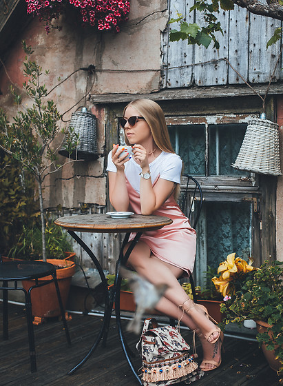 Anna Turanova - Revolve Dress, Revolve Shoes, Parfois Backpack, Parfois Sunglasses, Daniel Wellington Watches - August
