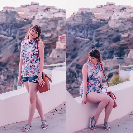 Ana B - Stradivarius Bag, Depot96 Top, Marelbo Sandals - Sunset in Fira