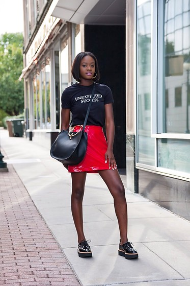 Iféoluwa Anani - Zara Slogan Top, Asos Vinyl Skirt, Zara Ring Bag, Zara Platform Derby Shoes - VINYL SKIRT TREND