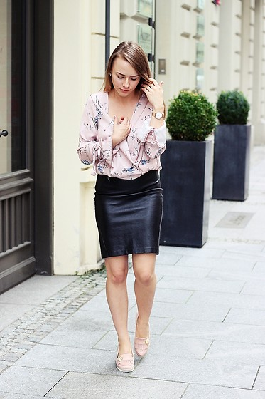 Marta S. - Romwe Floral Shirt, H&M Black Leather Skirt, Pink Shoes - Floral shirt • STREET STYLE