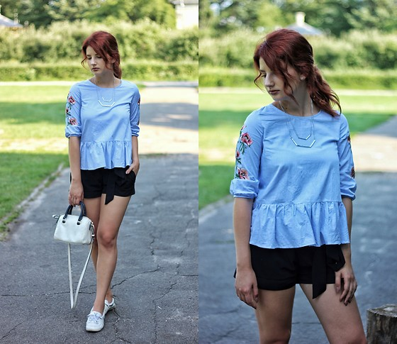 Vlada Kozachyshche - Metisu Blouse, Stradivarius Shorts, Mango Bag, Adidas Shoes, Cropp Necklace - Ukrainian Casual