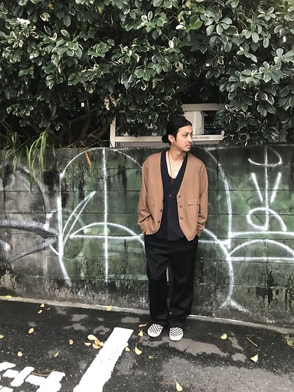 Hideki. Mn - Bernabeu Gillet Cutting Cardigan, Beanie V/N Tuck Tunic, Bukht 2tuck Baggy Trousers, Vans Slip On - Japanese fashion 43