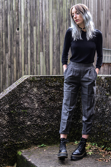 Saskia B. - Pull & Bear Plaid Pants, Dr. Martens Jadon, Pretty Badly Heart Choker - Last look with my silver hair !