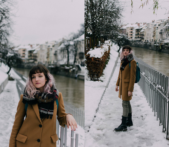 Tea M - Dr. Martens Boots, Mango Checkered Trousers, Zara Tomboy Coat, Pimkie Scarf/Cape, Fjällräven Ocean Green Kånken - Ljubljana in winter