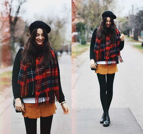 Nora Aradi - Stradivarius French Hat, Forever21 Boots, Bershka Black Sweater, Topshop Bag, Chic Wish Scarf - December mood