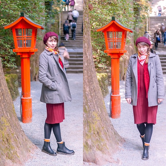 Ana B - Pull & Bear Coat - Hakone Shrine
