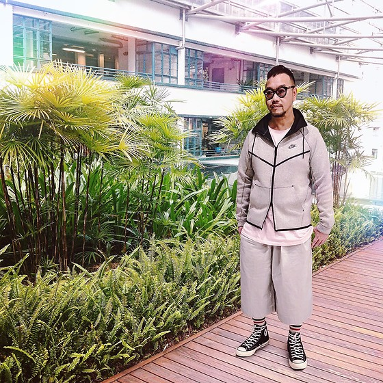 Mannix Lo - Nike Zip Up Hoodie, Uniqlo Wide Cropped Pants, Converse All Star 1970's Sneakers, Cotton On Tee - Stay Sporty, Stay Healthy in 2018