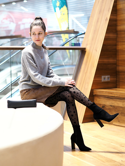 Claire H - H&M Cashmere Knit, H&M Fake Leather Skirt, Calzedonia Tights, Office Sock Boots - Stars