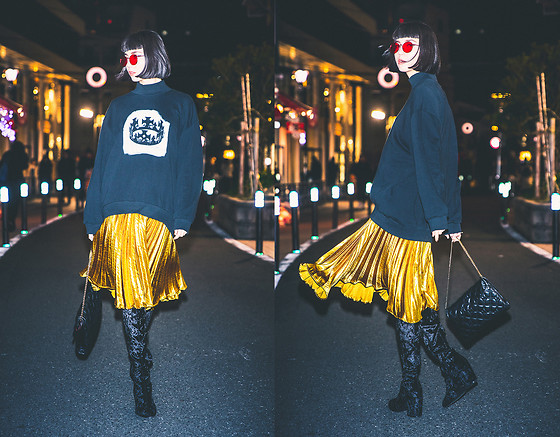 Samantha Mariko - Zerouv Sunglasses, Arisak Sweater, English Factory Skirt, Public Desire Boots, Metrocity Bag - Cat Street