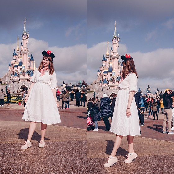 Ana B - Freegia Dress, Anna Cori Shoes - Disneyland Paris